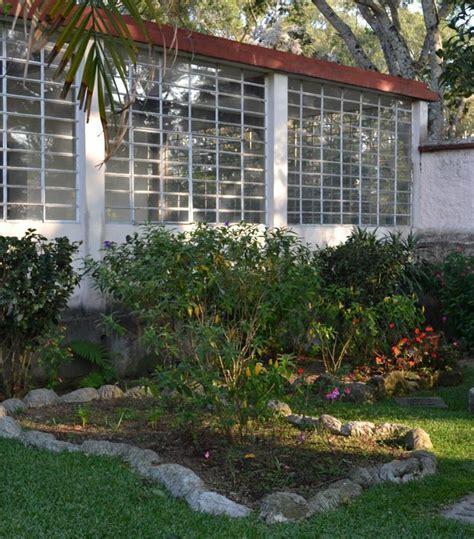 decorar el jardin con cosas recicladas c 243 mo decorar mi jard 237 n con cosas recicladas