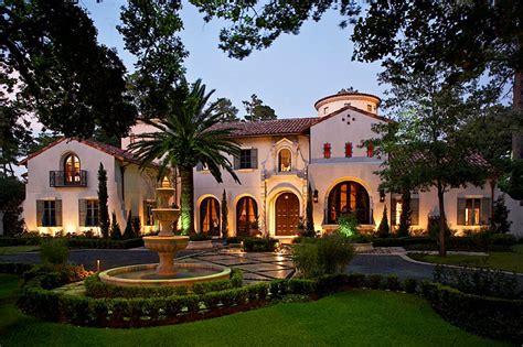 stunning mediterranean mansions    world