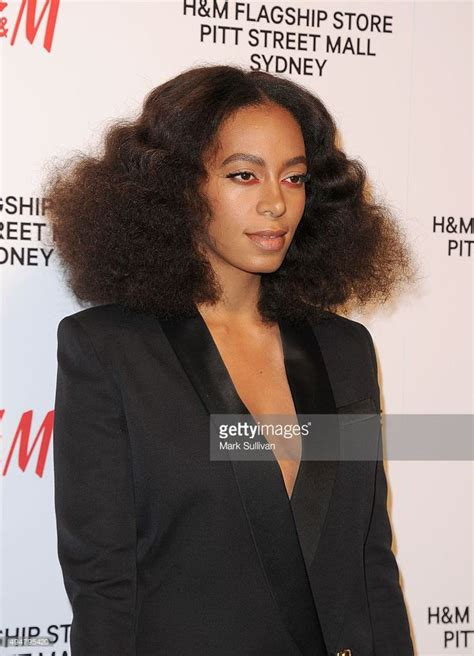 solange hair styles parted in the middle 29 best images about dat girlz on pinterest amandla