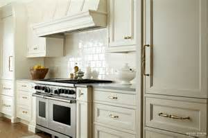 Off White Kitchen Cabinets by 1000 Ideas About Off White Cabinets On Pinterest