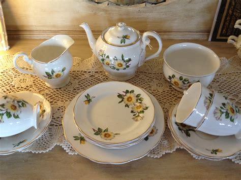 Cangkir Piring Set Espresso Kopi gambar teko makan lepek keramik minuman minum set