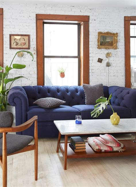 blue couches living rooms 1000 ideas about navy blue couches on pinterest blue
