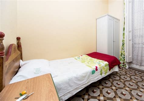 santa rooms for rent and cozy student room for rent santa engracia 3 room 1