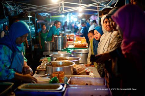 Meja Lipat Pasar Malam jual buah potong dengan harga iman