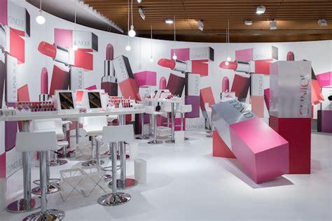 Lipstick Store marketing japan trends
