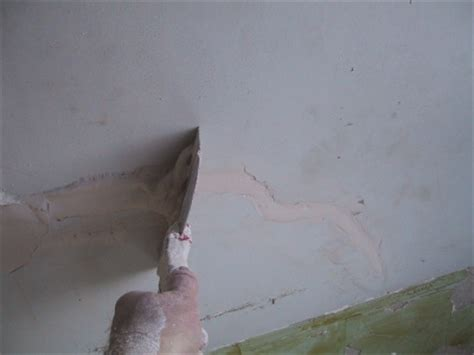 Filling Cracks In Plaster Ceiling by How To Plaster Plastering Tips Plastering Cracks Holes
