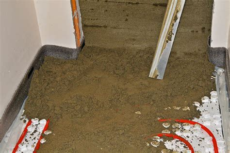 mix on the floor beodom the sand and cement floor screed