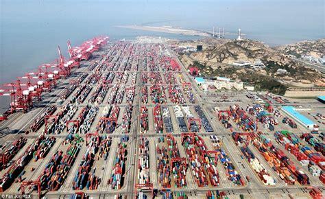 shanghai port the world s busiest handles 736m tonnes