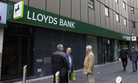 lloyds lloyds bank treasury sells another 1 stake in lloyds netting 163 500