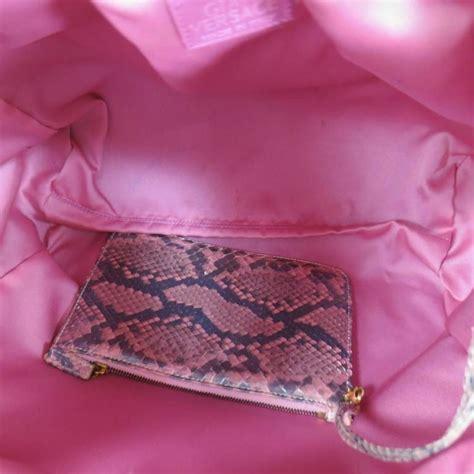 028d2ar Knot Handle Handbag Soft Pink gianni versace metallic pink python gold leather knot handle bag for sale at 1stdibs