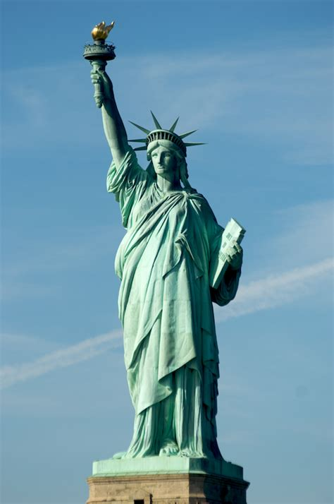 lade liberty the statue of liberty sights