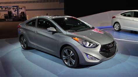 2014 Hyundai Elantra Gls 2014 hyundai elantra gls top auto magazine