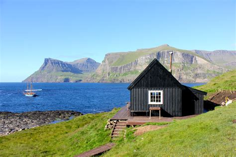 Remote Cottages by 11 Stunningly Dreamy Remote Cabins In The Middle Of