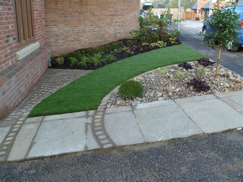 Front Garden On A New Build Estate Angie Barker Trading New Build Garden Ideas