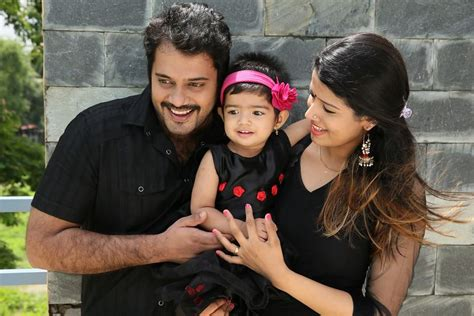 actor vineeth movies list mollywood stars with families photos gallery images