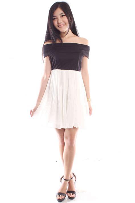 Shoulder Pleated Dress shoulder pleated dress the label junkie