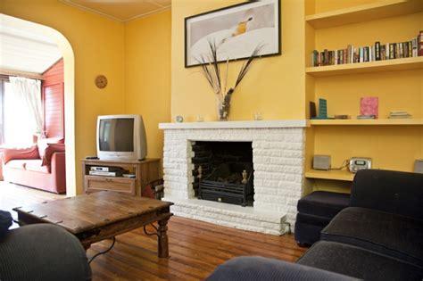 wohnzimmer streichen wohnzimmer mit kamin streichen raum und m 246 beldesign