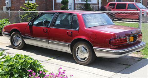 how cars run 1988 pontiac bonneville security system file 1987 pontiac bonneville se rear left jpg wikimedia commons