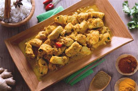 cucinare con il curry ricetta pollo al curry la ricetta di giallozafferano