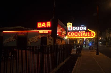 top las vegas bars best bars in las vegas to grab a drink with friends and