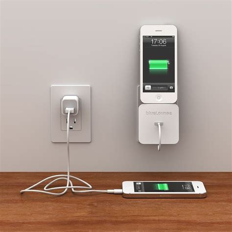 rolio iphone charger  wall dock  bluelounge