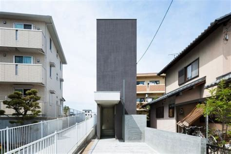 narrow modern house narrow ultra modern concrete home measuring 13 ft wide