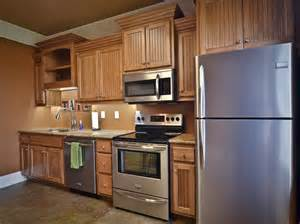 light wood cabinets kitchens man 17 93 kitchen colors with light wood cabinets 95
