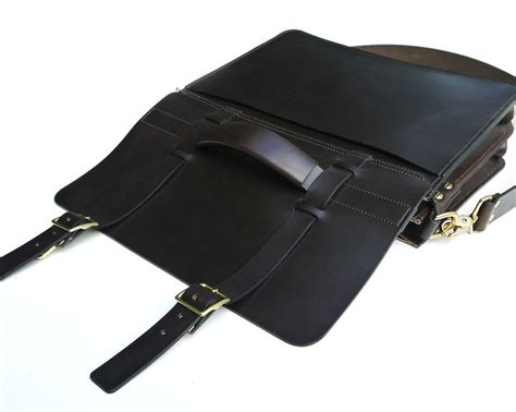 brown leather messenger bag grain bag