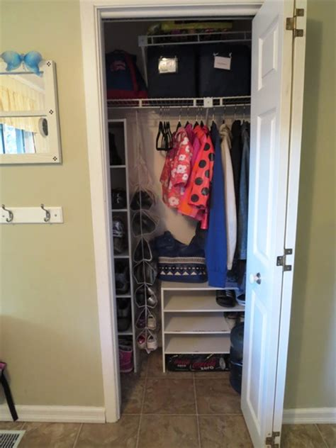 Foyer Closet Organizer by Organizing A Small Entryway Closet Day 14