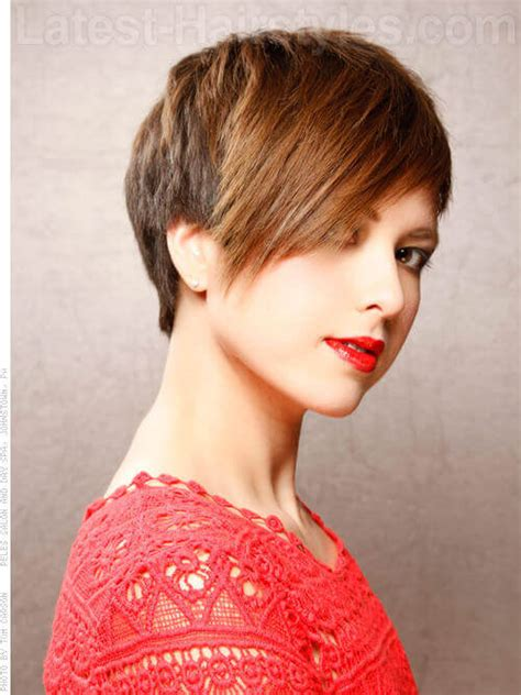 haircut styles longer on sides shorter in back modern short haircut for women