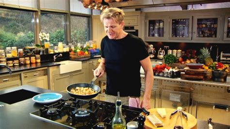 Gordon Ramsays Home Cooking S01e01 5 Things Gordon Ramsay Thinks Everyone Should How To