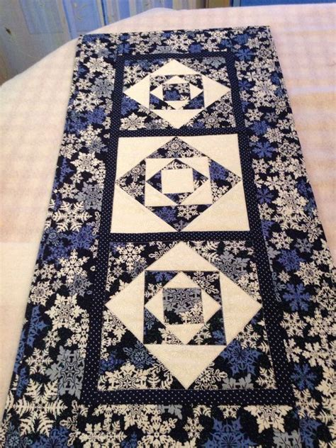 snowflake quilt pattern table runner 1000 ideas about runner on