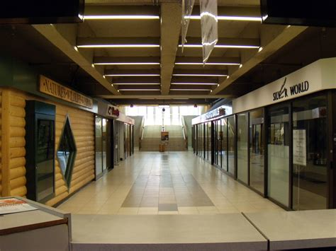 file shops in quot winnipeg square quot underground mall in