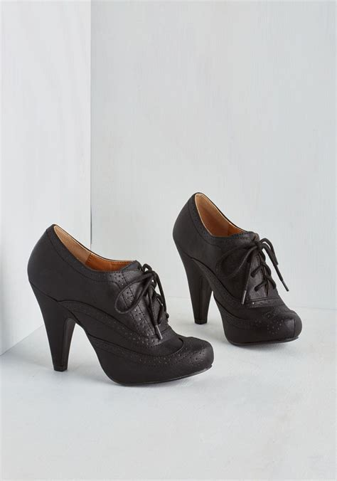 heel oxford shoes 25 best ideas about oxford heels on