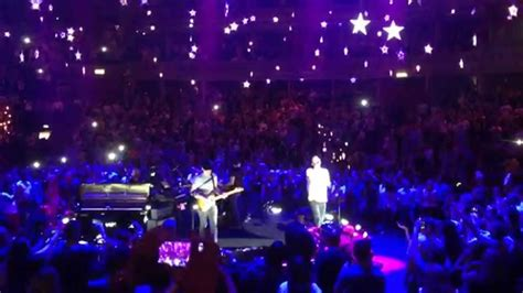 coldplay stars coldplay a sky full of stars royal albert hall 01 07
