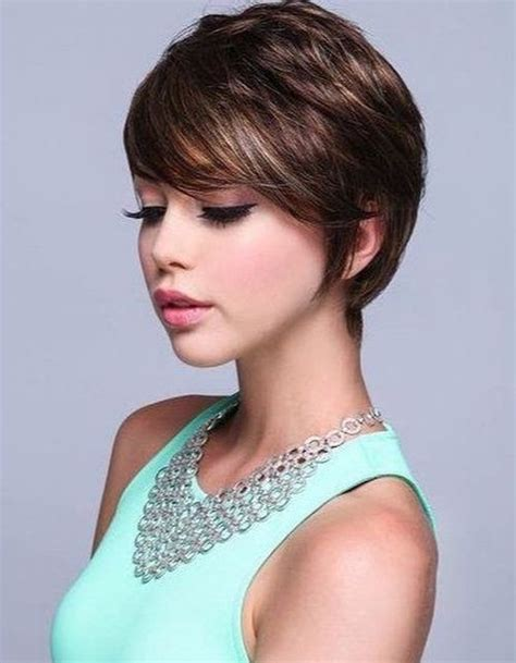short layered hairstyles for thick hair 17 effortless chic short haircuts for thick hair styles