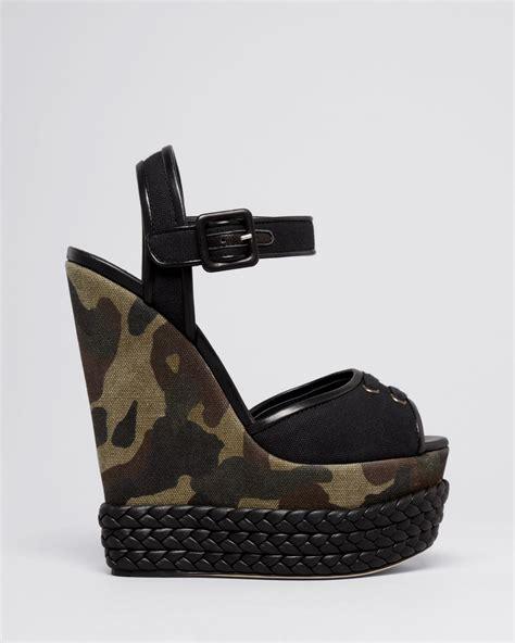 Sandal Wedges Bunga Af13 11 lyst giuseppe zanotti peep toe platform wedge sandals lolas in green