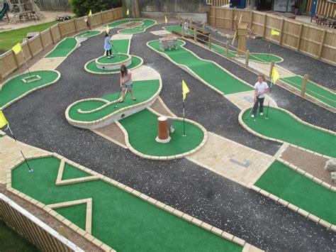 backyard mini golf game best 25 miniature golf ideas on pinterest mini golf