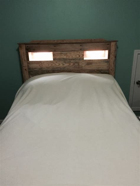 cubby headboard 1000 images about pallet headboards on pinterest diy