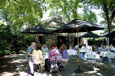 the new leaf restaurant in fort tryon park serves up