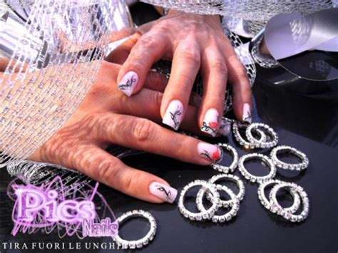 unghie con i fiori decorazioni unghie con fiori pics nails