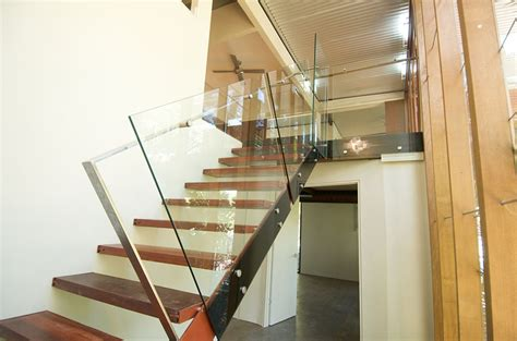 Flat Stair Handrail Pin Fixed Stairs Flat Handrail Thump Architectural