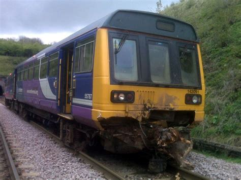 can my be trained to be a service derailed as it hits debris by a nottinghamshire tunnel rail co uk