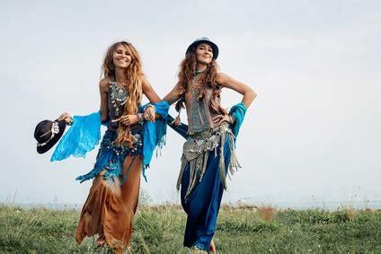 70er Jahre Mode Frauen by Kleider 70iger