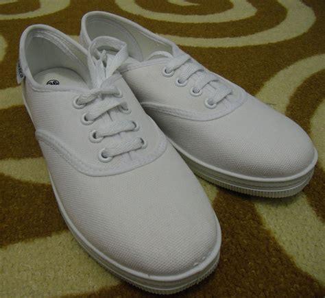 Cat Acrylic Untuk Sepatu Kanvas membuat sepatu lukis sendiri tidaklah sulit oleh dimas