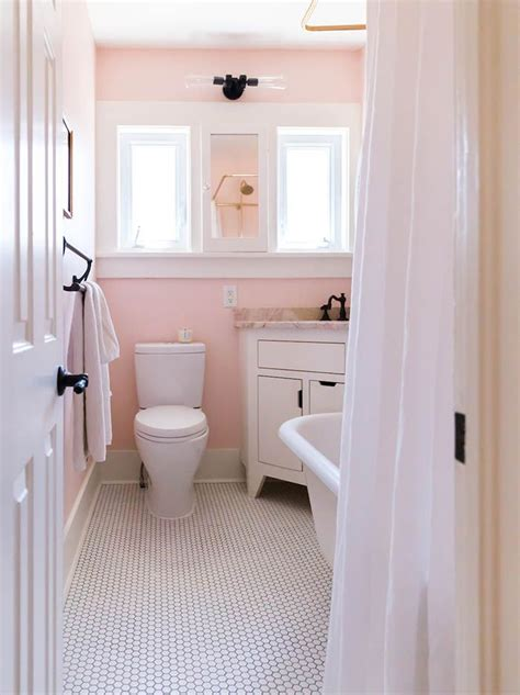 pink tile bathroom ideas 25 best ideas about pink bathrooms on pink