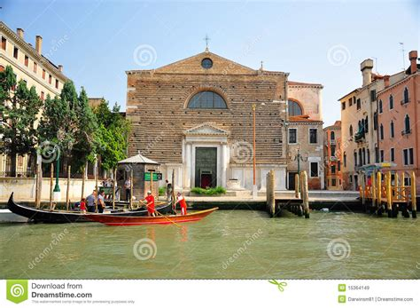 houses in venice italy homes in venice italy editorial stock image image 15364149