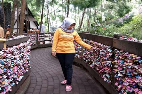 Gembok Cinta Di Farmhouse 5 destinasi indonesia yang hadirkan gembok cinta