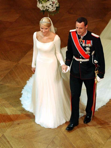 hochzeitskleid mette marit de vackraste kungliga brudkl 228 nningarna n 229 gonsin elle