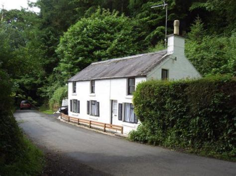 coastal cottages pembrokeshire pretty amroth coastal cottage wood cottage pembrokeshire